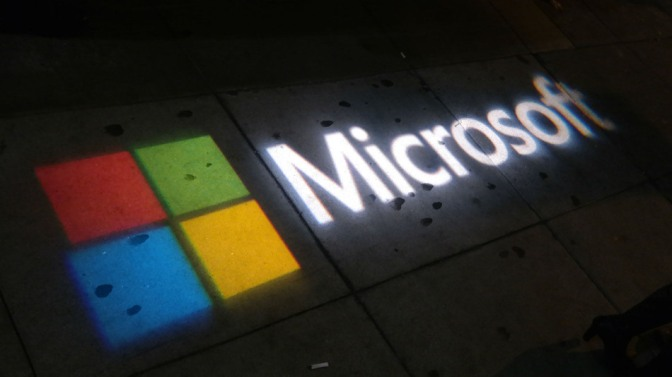 Microsoft accessed it's ex-employee's PRIVATE account to gain information about Windows 8 leak