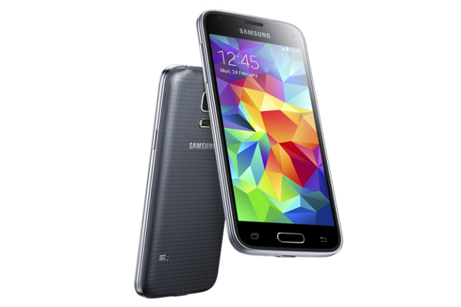 Samsung unveils the Galaxy S5 Mini