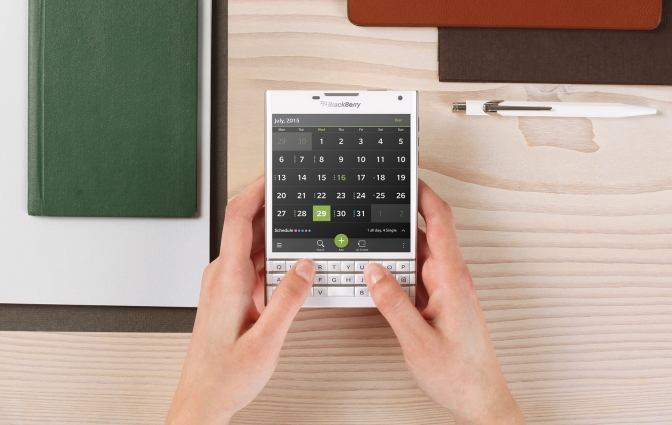 Blackberry is Back: 200,000 Blackberry Passport Smartphoners Ordered within Days of Launch